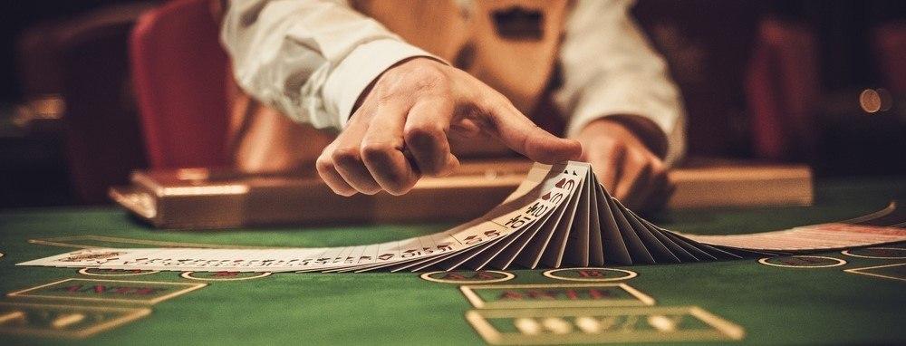 blackjack-black-jack-gioco blackjack-blackjack regole-regole-come giocare a blackjack-gioco di carte-21-banco
