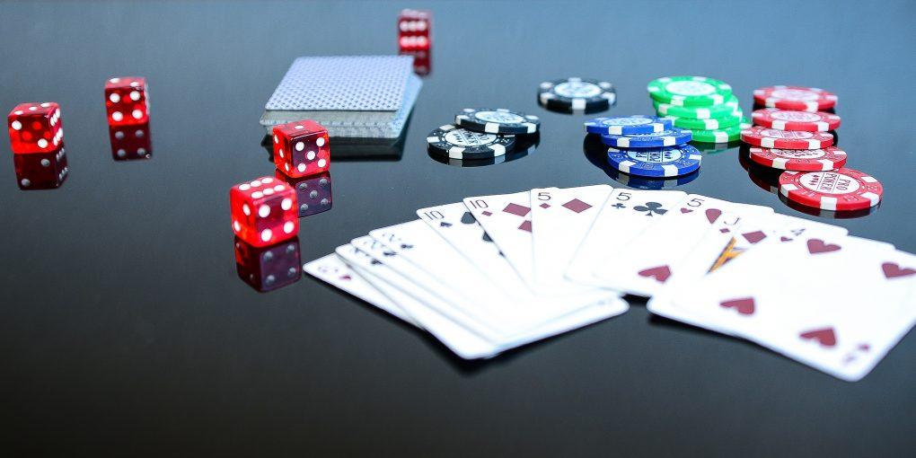 poker online-poker-poker mani-poker valore delle mani-combinazioni-italiana-migliori-casino-online