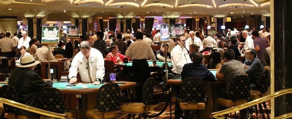 poker online-poker-poker mani-poker valore delle mani-combinazioni-italiana-storia del poker-poker storia-storia
